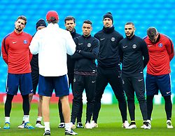 PSG Manager Laurent Blanc speaks to his players - Mandatory byline: Matt McNulty/JMP - 07966386802 - 11/04/2016 - FOOTBALL - Manchester City v PSG - Etihad Stadium -Manchester,England - UEFA Champions League