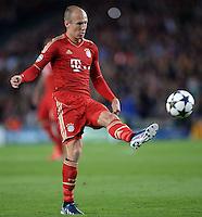 FUSSBALL  CHAMPIONS LEAGUE  HALBFINALE  RUECKSPIEL  2012/2013      FC Barcelona - FC Bayern Muenchen              01.05.2013 Arjen Robben (FC Bayern Muenchen) Einzelaktion am Ball