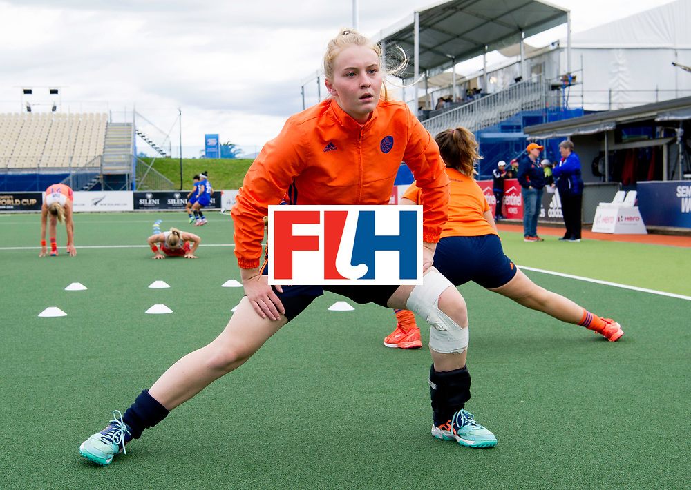AUCKLAND - Sentinel Hockey World League final women<br /> Match id: 10299<br /> 09 NED v KOR (Pool A)<br /> Foto:  Josine Koning (Gk) warming up.<br /> WORLDSPORTPICS COPYRIGHT FRANK UIJLENBROEK