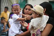 Ninos participan en el festival del maiz  Domingo Agosto 14, 2011 en Sesori, San Miguel, El Salvador durante el festival del Maiz. Los Salvadorenos celebran esta fiesta por las buenas cosechas del principal producto de la dieta alimenticia. Photo: Ricardo Carrillo/Imagenes Libres.