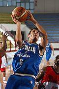 DESCRIZIONE : Porto San Giorgio Raduno Collegiale Nazionale Maschile Amichevole Italia Premier Basketball League<br /> GIOCATORE : Andrea Cinciarini<br /> SQUADRA : Nazionale Italia Uomini<br /> EVENTO : Raduno Collegiale Nazionale Maschile Amichevole Italia Premier Basketball League<br /> GARA : Italia Premier Basketball League<br /> DATA : 11/06/2009 <br /> CATEGORIA : tiro penetrazione<br /> SPORT : Pallacanestro <br /> AUTORE : Agenzia Ciamillo-Castoria/C.De Massis<br /> Galleria : Fip Nazionali 2009<br /> Fotonotizia :  Porto San Giorgio Raduno Collegiale Nazionale Maschile Amichevole Italia Premier Basketball League<br /> Predefinita :