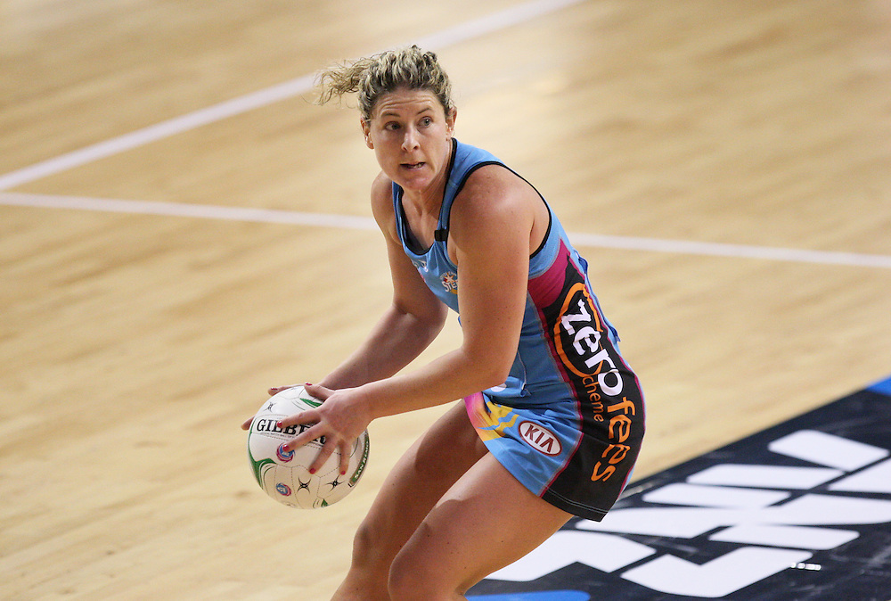 Steels Phillipa Finch looks to pass the ball against the Vixens in the ANZ Championship netball match at Invercargill Velodrome, Invercargill, New Zealand, Saturday, June 30, 2012. Credit:SNPA / Dianne Manson