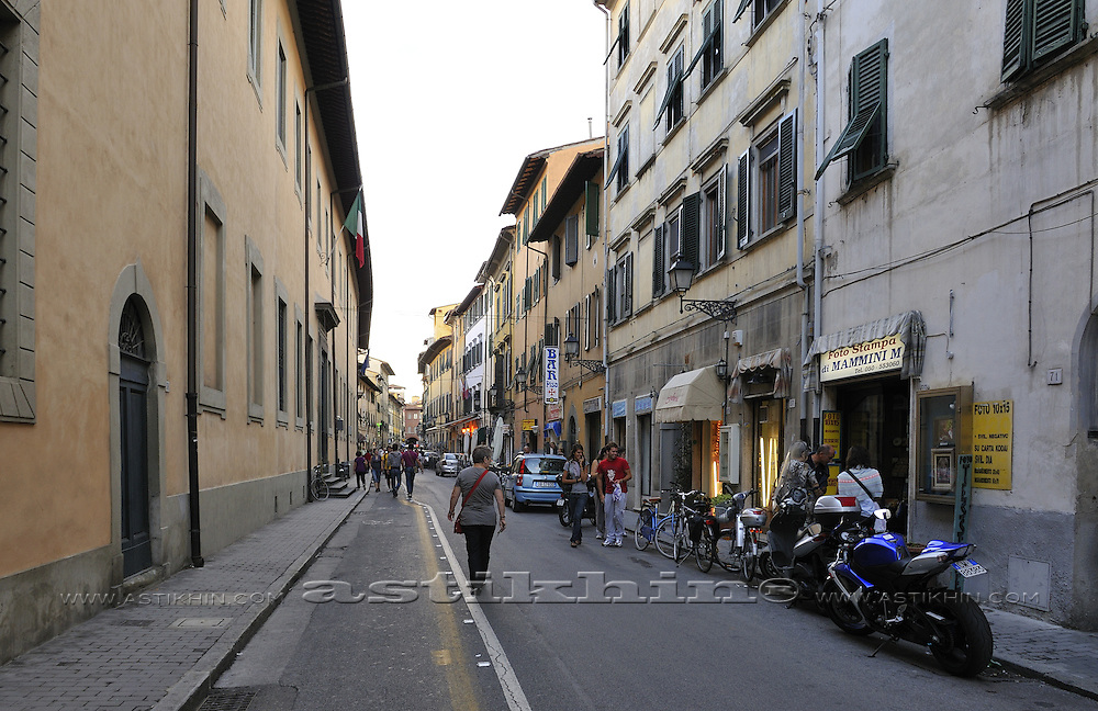 Old street of Pisa