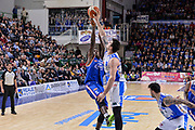 DESCRIZIONE : Beko Legabasket Serie A 2015- 2016 Dinamo Banco di Sardegna Sassari - Acqua Vitasnella Cantu'<br /> GIOCATORE : Awudu Abass Joe Alexander<br /> CATEGORIA : Tiro Stoppata<br /> SQUADRA : Dinamo Banco di Sardegna Sassari<br /> EVENTO : Beko Legabasket Serie A 2015-2016<br /> GARA : Dinamo Banco di Sardegna Sassari - Acqua Vitasnella Cantu'<br /> DATA : 24/01/2016<br /> SPORT : Pallacanestro <br /> AUTORE : Agenzia Ciamillo-Castoria/L.Canu