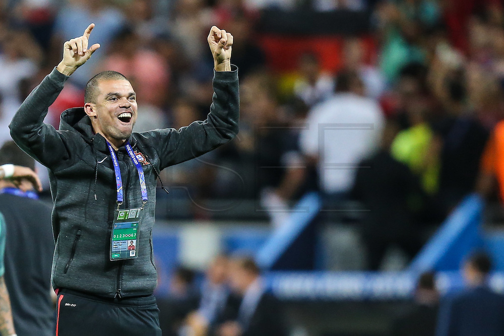 LYON, FRANCE, 06.07.2016 - PORTUGAL- WALES - defender Pepe of Portugal after the match against Wales, valid for the semi-finals of Euro 2016 at the Grand Stade de Decines-Charpieu near Lyon, France, this Wed Friday (6).