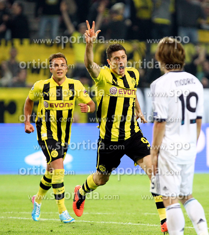 24.04.2013, Signal Iduna Park, Dortmund, GER, UEFA CL, Borussia Dortmund vs Real Madrid, Halbfinale, Hinspiel, im Bild Robert LEWANDOWSKI (Borussia Dortmund) bejubelt seinen Treffer zum 3:1, Torjubel/ Jubel, Emotionen // during UEFA Champions League 1st Leg Semifinal Match between Borussia Dortmund and Real Madrid at the Signal Iduna Park, Dortmund, Germany on 2013/04/24. EXPA Pictures © 2013, PhotoCredit: EXPA/ Eibner/ Alexander Neis..***** ATTENTION - OUT OF GER *****