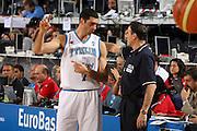 DESCRIZIONE : Madrid Spagna Spain Eurobasket Men 2007 Qualifying Round Italia Lituania Italy Lithuania<br /> GIOCATORE : Matteo Soragna Carlo Recalcati SQUADRA : Italia Italy<br /> EVENTO : Eurobasket Men 2007 Campionati Europei Uomini 2007<br /> GARA : Italia Italy Lituania Lithuania<br /> DATA : 08/09/2007<br /> CATEGORIA : Curiosita<br /> SPORT : Pallacanestro<br /> AUTORE : Ciamillo&amp;Castoria/E.Castoria