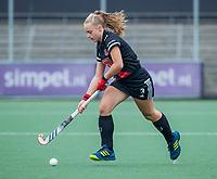 AMSTELVEEN  - Melanie van Rijn (Adam) tijdens de hoofdklasse competitiewedstrijd hockey dames , Amsterdam-Laren (3-0)  , COPYRIGHT KOEN SUYK
