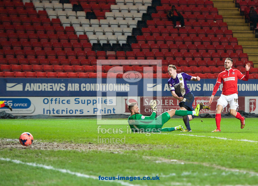 Picture by Alan Stanford/Focus Images Ltd +44 7915 056117<br /> 14/01/2014<br /> Scott Davies of Oxford United scores his side's 2nd goal during the The FA Cup match at The Valley, London.