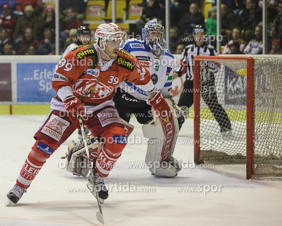 06.12.2015, Stadthalle, Klagenfurt, AUT, EBEL, EC KAC vs HDD TELEMACH Olimpija Ljubljana, 28. Runde, im Bild Jean-François Jacques (EC KAC, #39), Oliver Roy (HDD TELEMACH Olimpija Ljubljana, #35) // during the Erste Bank Eishockey League 28th round match match betweeen EC KAC and HDD TELEMACH Olimpija Ljubljana at the City Hall in Klagenfurt, Austria on 2015/12/06. EXPA Pictures © 2015, PhotoCredit: EXPA/ Gert Steinthaler