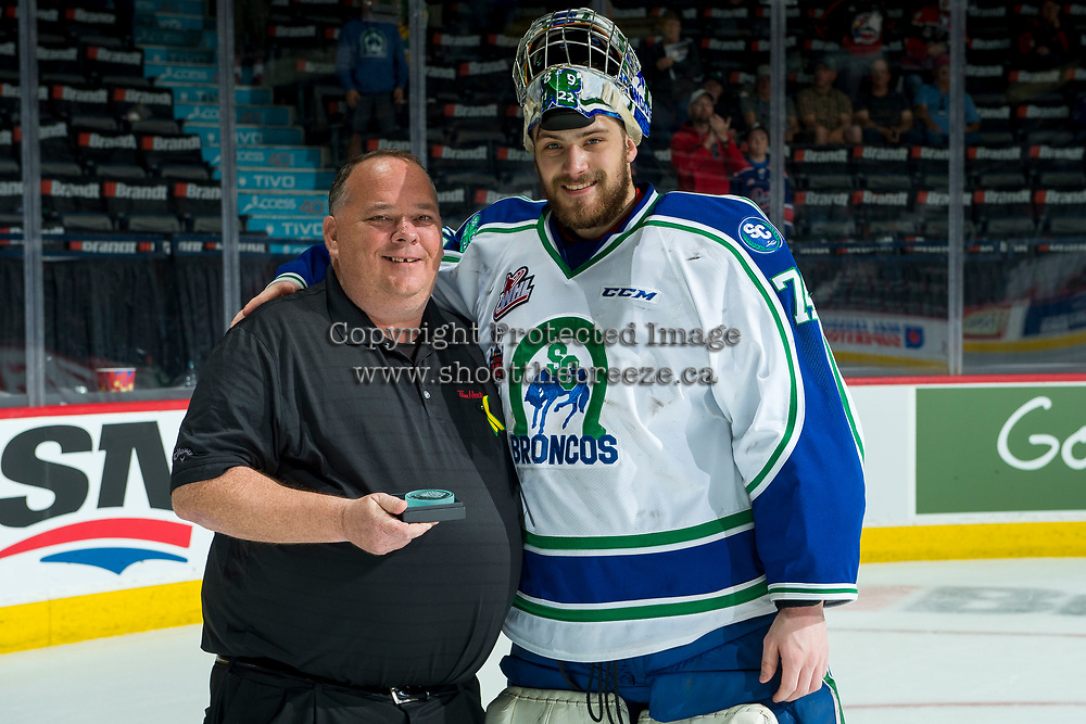 REGINA, SK - MAY 21: Stuart Skinner #74 of Swift Current Broncos accepts the first star of the game after stopping 54 shots against the Hamilton Bulldogs at the Brandt Centre on May 21, 2018 in Regina, Canada. (Photo by Marissa Baecker/CHL Images)