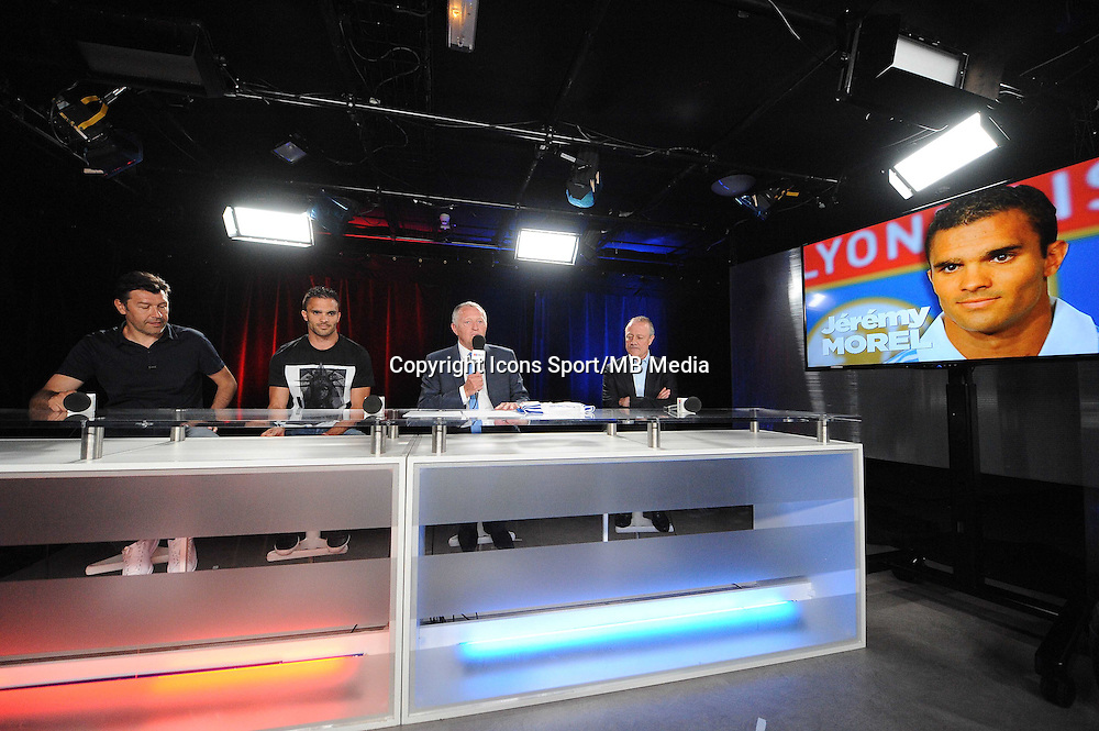 Hubert FOURNIER / Jeremy MOREL / Jean Michel AULAS / Bernard LACOMBE - 01.06.2015 - Presentation du nouveau joueur de Lyon<br />