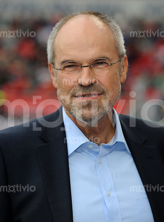 FUSSBALL   1. BUNDESLIGA   SAISON 2011/2012    2. SPIELTAG Bayer 04 Leverkusen - SV Werder Bremen              14.08.2011 Wolfgang Holzhaeuser  (Bayer 04 Leverkusen)