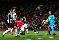 Romelu Lukaku of Manchester United fires a shot at goal - Mandatory by-line: Matt McNulty/JMP - 18/11/2017 - FOOTBALL - Old Trafford - Manchester, England - Manchester United v Newcastle United - Premier League