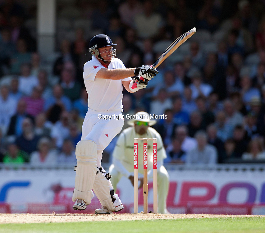 Ian Bell bats during the fourth and final npower Test Match between England and India at the Oval, London.  Photo: Graham Morris (Tel: +44(0)20 8969 4192 Email: sales@cricketpix.com) 19/08/11