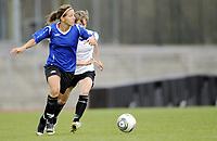 Fotball<br /> Norge<br /> 04.05.2011<br /> Foto: Morten Olsen, Digitalsport<br /> <br /> Trening Norge A kvinner<br /> Nadderud Stadion<br /> Internkamp - Norge Blå mot Norge Hvit<br /> <br /> Guro Knutsen Mienna