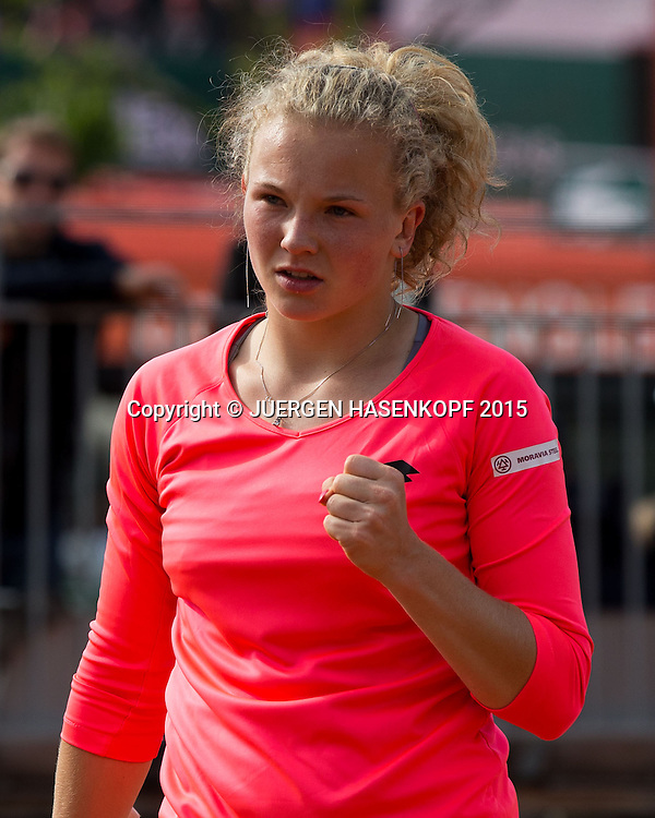 Katerina Siniakova (CZE) macht die Faust und jubelt,Jubel,Emotion,,<br /> <br /> Tennis - French Open 2015 - Grand Slam ITF / ATP / WTA -  Roland Garros - Paris -  - France  - 25 May 2015.