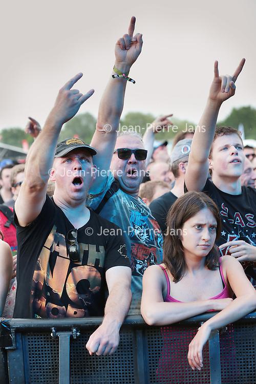 Nederland, Landgraaf, 12 juni 2015<br /> Publiek tijdens het concert van Ice-T tijdens de eerste dag van het Pinkpopfestival.<br /> <br /> <br /> Foto: Jean-Pierre Jans