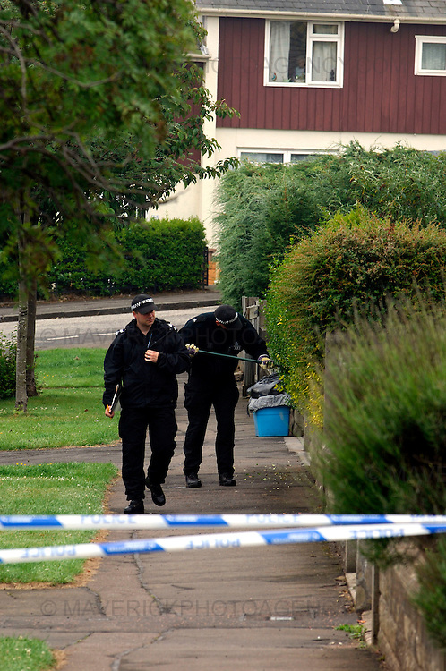 Police in Edinburgh are carrying out inquiries after a 40-year-old man was shot in the early hours of this morning...The man, who is not believed to be suffering from life-threatening injuries, is being treated in Edinburgh Royal Infirmary...He raised the alarm himself after being shot while walking his dog in the Paisley Drive area of the city around 00.40am today (wed, June 24, 2009)...Picture shows police officers searching the neighbouring houses where the shooting took place in Paisley Drive in Edinburgh.