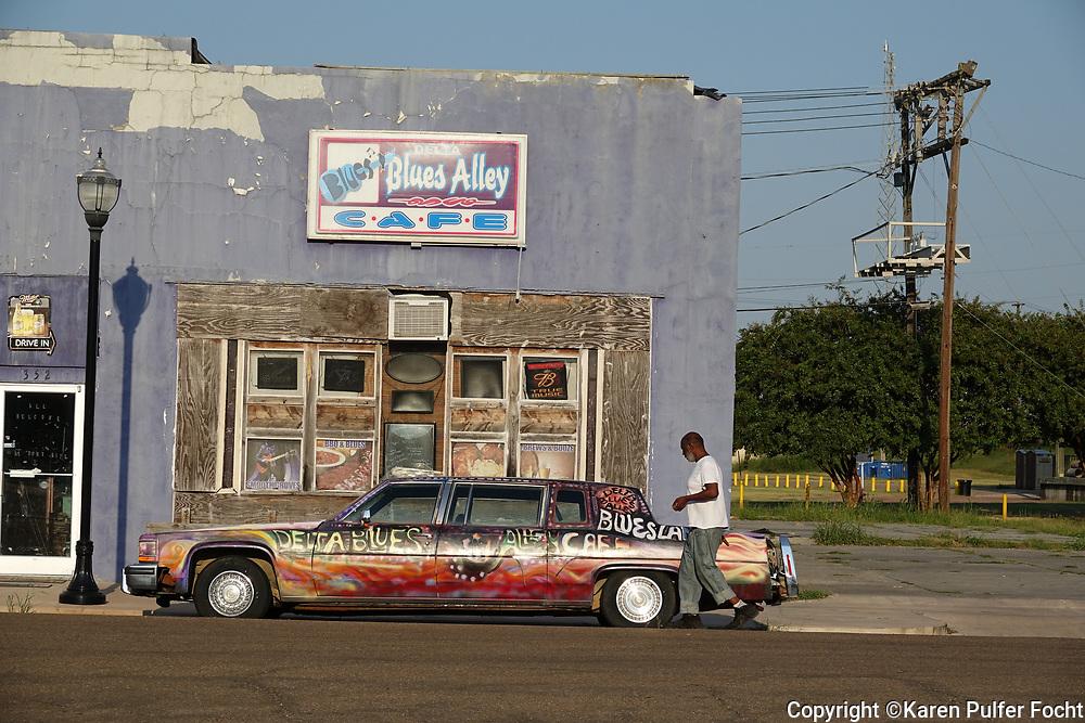 Mississippi Delta, Car, Blues.