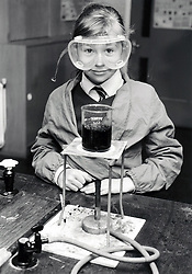 Science lesson, Secondary school, Birmingham UK 1987