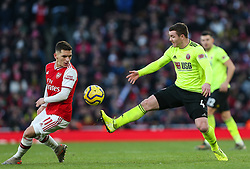 John Fleck of Sheffield United stretches for the ball - Mandatory by-line: Arron Gent/JMP - 18/01/2020 - FOOTBALL - Emirates Stadium - London, England - Arsenal v Sheffield United - Premier League