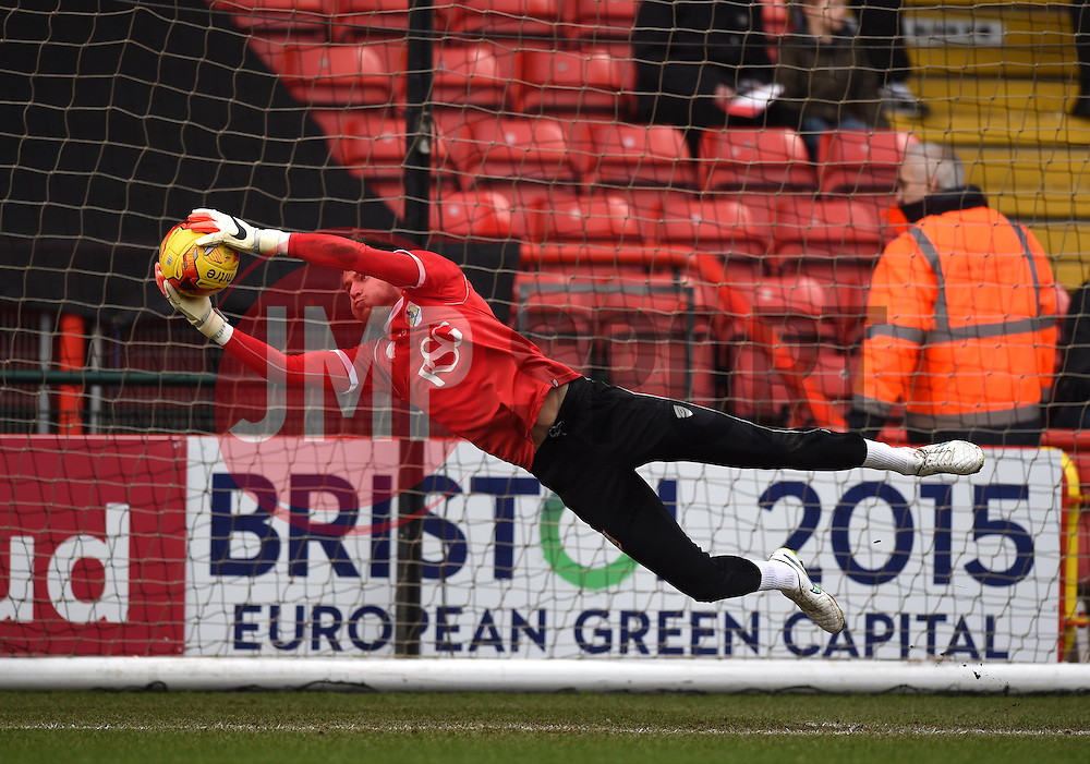 Bristol City's Dave Richards warms up before the Sky Bet League One game between Bristol City and Rochdale on 28 February 2015 in Bristol, England - Photo mandatory by-line: Paul Knight/JMP - Mobile: 07966 386802 - 28/02/2015 - SPORT - Football - Bristol - Ashton Gate Stadium - Bristol City v Rochdale - Sky Bet League One