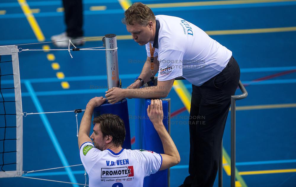 02-04-2016 NED: Draisma Dynamo - Abiant Lycurgus, Apeldoorn<br /> Lycurgus plaatst zich voor de finale door Dynamo met 3-1 te verslaan / Dennis van der Veen #6 of Lycurgus