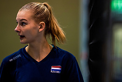 15-03-2017 NED:  Training jeugd Oranje, Arnhem<br /> Jeugd Oranje klaar voor het EK in eigen land maar eerst nog een pittige training / Indy Baijens #17 of Netherlands