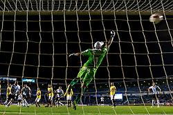 Zé Roberto comemora após marcar contra o Barcelona de Guayaquil durante a Copa Sul Americana, no estádio Olimpico Monumental, em 24 de outubro de 2012. O Grêmio venceu por 2x1. FOTO: Jefferson Bernardes/Preview.com