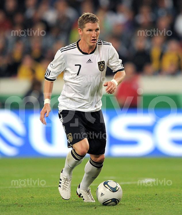 FUSSBALL INTERNATIONAL  Freundschaftsspiel  10.08.2011 Deutschland - Brasilien Bastian SCHWEINSTEIGER (Deutschland)