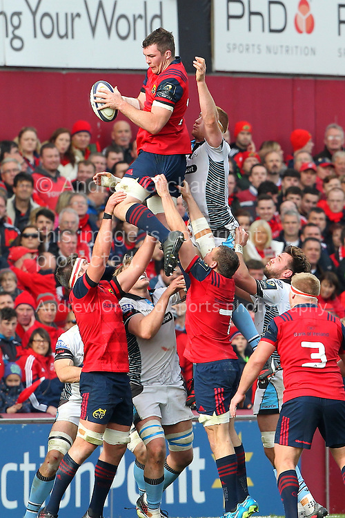 Peter O'Mahony of Munster claims a line out ball. European Rugby Champions cup match, pool one, Munster Rugby v Glasgow Warriors at Thomond Park in Limerick , Ireland on Saturday 22nd October 2016.<br /> pic by  John Halas, Andrew Orchard sports photography.