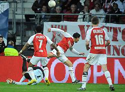 03-04-2010 VOETBAL: AZ - FC UTRECHT: ALKMAAR<br /> FC Utrecht verliest met 2-0 van AZ / Mounir El Hamdaoui stuit op Michel Vorm<br /> ©2010-WWW.FOTOHOOGENDOORN.NL