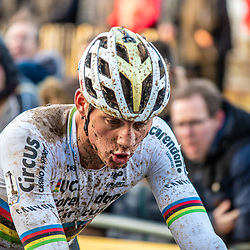 2019-12-14 Cycling: dvv verzekeringen trofee: Ronse: Mathieu van der Poel beeing exhausted after a tough race