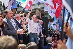 """O candidato a governador do Estado pela coligação """"O Rio Grande Merece Mais"""", Vieira da Cunha durante ato público na Esquina Democrática, em Porto Alegre. FOTO: Jefferson Bernardes/ Agência Preview"""