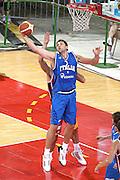 DESCRIZIONE : Firenze I&deg; Torneo Nelson Mandela Forum Italia Macedonia<br /> GIOCATORE : Andrea Bargnani<br /> SQUADRA : Nazionale Italiana Uomini <br /> EVENTO : I&deg; Torneo Nelson Mandela Forum Italia Macedonia<br /> GARA : Italia Macedonia<br /> DATA : 16/07/2010 <br /> CATEGORIA : rimbalzo<br /> SPORT : Pallacanestro <br /> AUTORE : Agenzia Ciamillo-Castoria/GiulioCiamillo<br /> Galleria : Fip Nazionali 2010