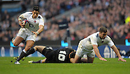 Photo © TOM DWYER / SECONDS LEFT IMAGES 2010 - Rugby Union - Investec Challenge - England v New Zealand - 06/11/10 - England's Shontayne Hape makes a break having received a pass from Nick Easter (R)- at Twickenham Stadium UK -  All rights reserved