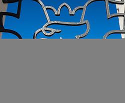 THEMENBILD - Landhausplatz Innsbruck, im Bild das neue Tiroler Landhaus, gesehen durch das Tiroler Wappen am Befreiungsdenkmal, Bild aufgenommen am 24.02.2014. EXPA Pictures © 2014, PhotoCredit: EXPA/ JFK