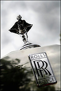 Nederland, Nijmegen, 12-6-2005..Logo, beeldmerk van Rolls Royce, luxe auto, Britse, Engelse autofabriek, autofabrikant, exclusief automerk, kwaliteit, statussymbool, rijkdom, geld, radiatordop, verzamelaarsobject..Foto: Flip Franssen/Hollandse Hoogte