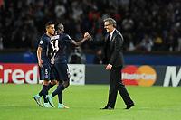 Fotball<br /> 30.09.2014<br /> Foto: Panoramic/Digitalsport<br /> NORWAY ONLY<br /> <br /> Blaise Matuidi (PSG)<br /> joie Laurent Blanc (entraineur PSG)<br /> <br /> PSG / Paris Saint Germain vs Barcelona - Champions League