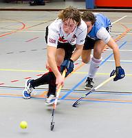 ARNHEM - Niek Collot d'Escury van A'dam . De mannen van Amsterdam tijdens de eerste dag van de zaalhockey competitie in de hoofdklasse, seizoen 2013/2014. FOTO KOEN SUYK