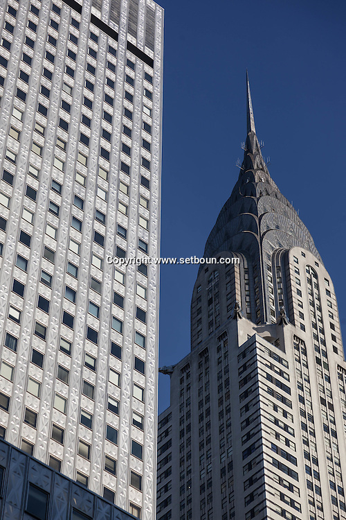New York, the Chrysler and Mobil buildings  Manhattan midtown  United states / le Chrysler et  le Mobil Building dans midtown   Manhattan, New York - Etats-unis