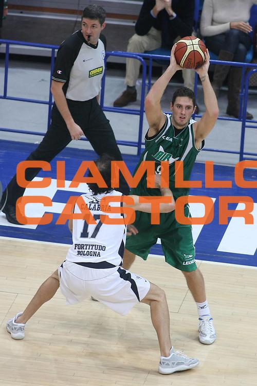 DESCRIZIONE : Bologna Lega A1 2007-08 Upim Fortitudo Bologna Air Avellino <br /> GIOCATORE : Alex Righetti <br /> SQUADRA : Air Avellino <br /> EVENTO : Campionato Lega A1 2007-2008 <br /> GARA : Upim Fortitudo Bologna Air Avellino <br /> DATA : 27/10/2007 <br /> CATEGORIA : Passaggio <br /> SPORT : Pallacanestro <br /> AUTORE : Agenzia Ciamillo-Castoria/G.Ciamillo