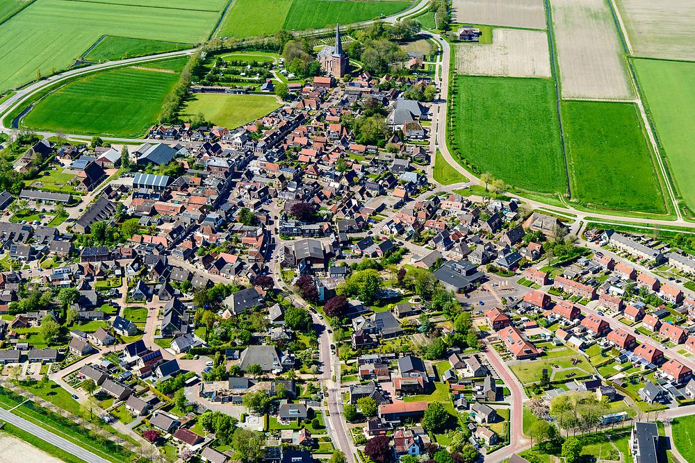Nederland, Friesland, Gemeente Dongeradeel, 07-05-2018; Holwerd (Holwert), gedeeltelijk beschermd dorpsgezicht, met de de hervormde Sint-Willibrorduskerk <br /> Holwerd (Holwert), protected heritage village.<br /> <br /> luchtfoto (toeslag op standaard tarieven);<br /> aerial photo (additional fee required);<br /> copyright foto/photo Siebe Swart