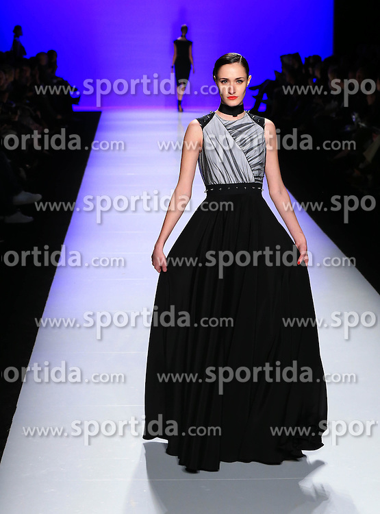 A model walks the runway wearing David Dixon FW 2016 collections during the Toronto Fashion Week Fall, Winter 2016 at David Pecaut Square in Toronto, Canada, March 16, 2016. EXPA Pictures &copy; 2016, PhotoCredit: EXPA/ Photoshot/ yanzhonghua<br /> <br /> *****ATTENTION - for AUT, SLO, CRO, SRB, BIH, MAZ, SUI only*****