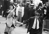 One of the Birmingham Six wave to supporters following their release from the Court in London. 14/3/1991 (Part of the Independent Newspapers Ireland/NLI Collection)