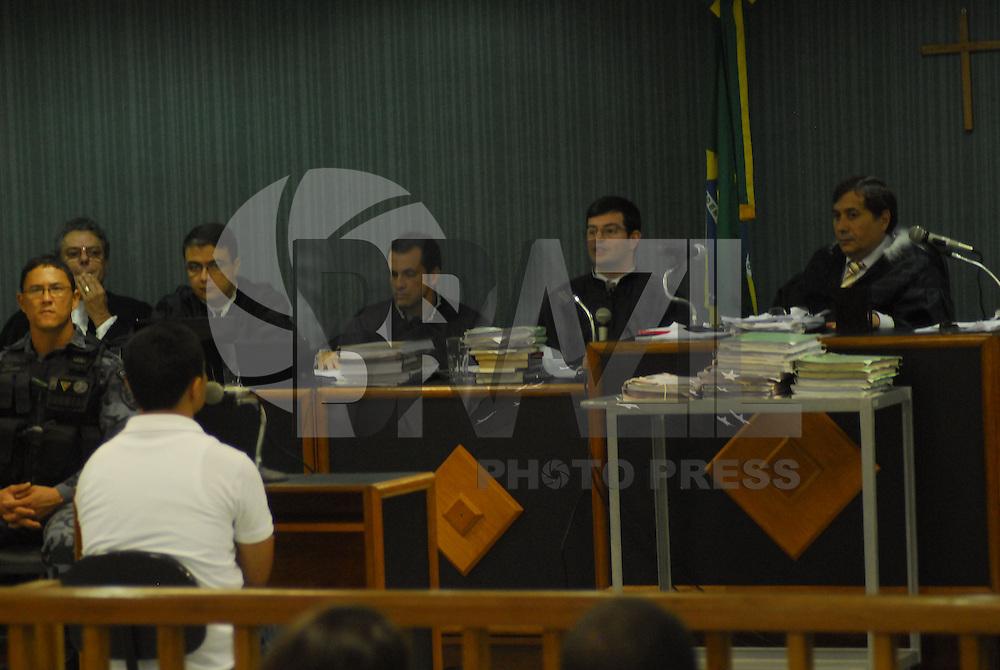 ATENÇÃO EDITOR: FOTO EMBARGADA PARA VEÍCULOS INTERNACIONAIS. NITERÓI, RJ 29 DE JANEIRO 2013. JULGAMENTO DOS POLICIAIS QUE MATARAM A JUÍZA PATRÍCIA ACIOLI EM NITERÓI EM 11 DE AGOSTO DE 2011.  Nesta manhã de quarta feira (30) está acontecendo no fórun de Niterói, o  julgamento de 3 dos PM (Policiais Militares) acusados de matarem a juíza Patrìcia Acioli. Os PMs acusados: Junior César de Medeiros, Jeferson Araújo Miranda e Jovanis Falcão Junior.Ex PM Junior César de Medeiros.PROMOTOR: Leandro Navega e assistente Técio Lins e Silva..FOTO RONALDO BRANDÃO/BRAZIL PHOTO PRESS