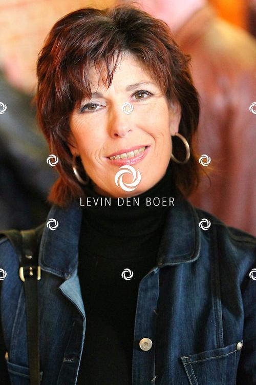 VOLENDAM - In Hotel Spaander presenteerde Mon Amour hun nieuwe CD. Met op de foto Carola Smit. FOTO LEVIN DEN BOER - PERSFOTO.NU