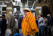 UNITED KINGDOM, London: 16 July 2015 Members of Lord's Cricket club que to enter Lord's Cricket ground on the first day of the second Ashes test between England and Australia in London, England. Andrew Cowie / Story Picture Agency