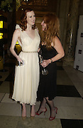Karen Elson and Charlotte Tilbury. British Fashion awards 2005. V. & A. Museum. Cromwell Rd. London.   10  November 2005 . ONE TIME USE ONLY - DO NOT ARCHIVE © Copyright Photograph by Dafydd Jones 66 Stockwell Park Rd. London SW9 0DA Tel 020 7733 0108 www.dafjones.com